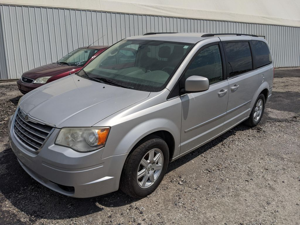 2010 Chrysler Town & Country - 3